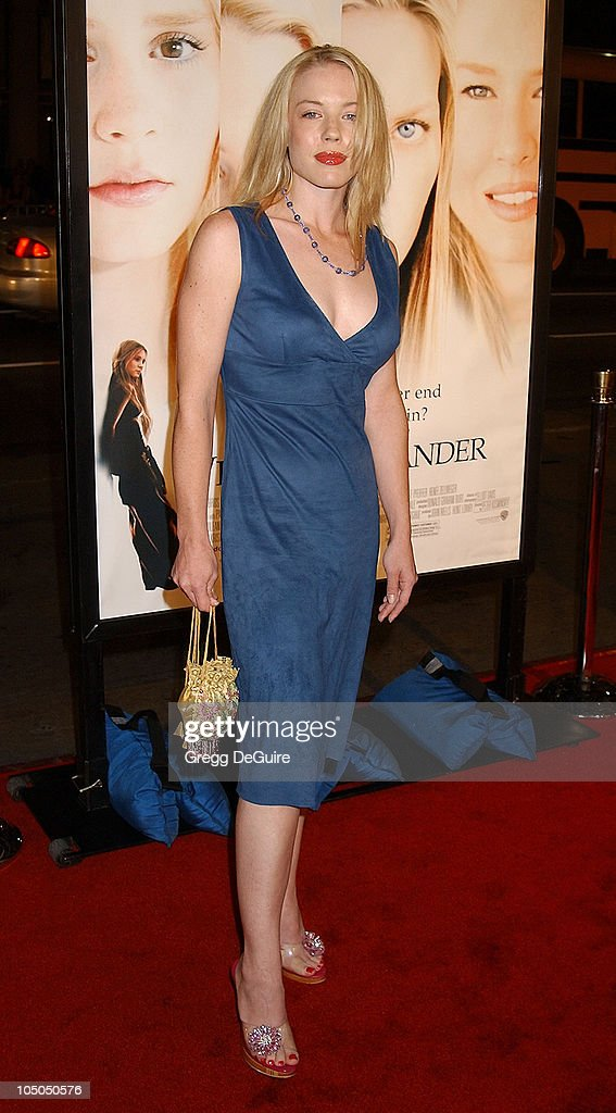 Leslie Mills during 'White Oleander' Premiere - Los Angeles at Grauman's Chinese Theatre in Hollywood, California, United States.