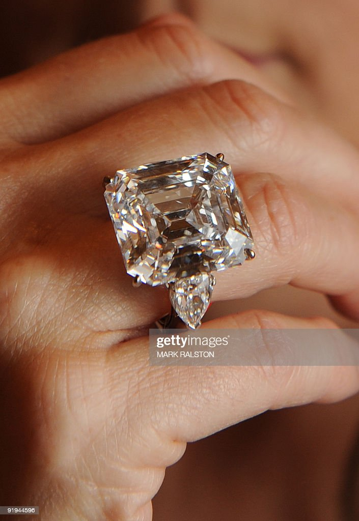 Annenberg diamond will be auctioned