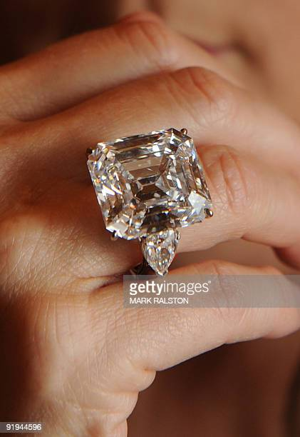 """Leslie Roskind from Christie's models the """"Annenberg Diamond"""" that is valued at between USD 3-5 million during an auction preview in Beverly Hills on..."""