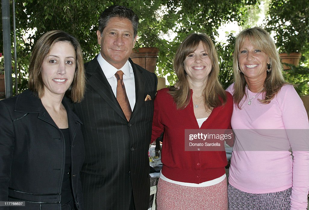 "Cynthia Pett Dante and Tracey Ross Celebrate Dr. Nicholas Perricone's New Book ""The Perricone's Promise"" : News Photo"