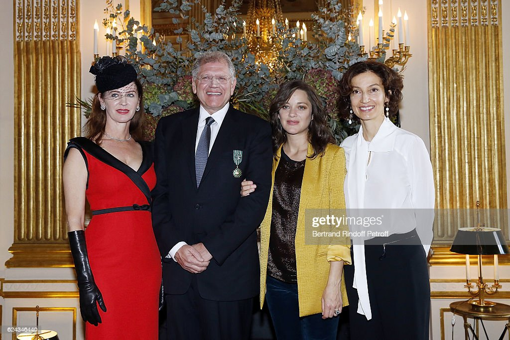 Robert Zemeckis Decorated At Ministere de la Culture In Paris