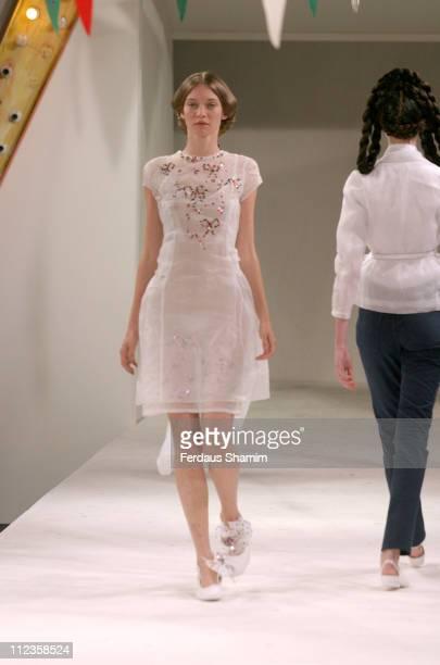 Lesly Masson wearing Peter Jensen Spring/Summer 2006