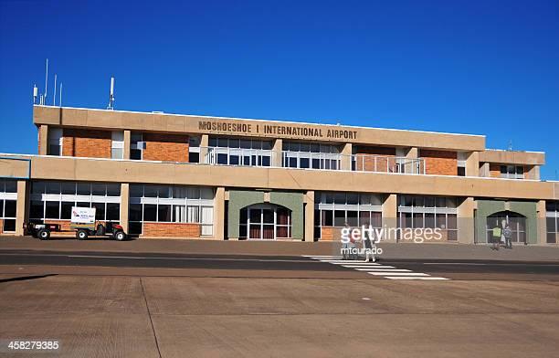 lesoto, maseru-terminal de aeropuerto - lesoto fotografías e imágenes de stock