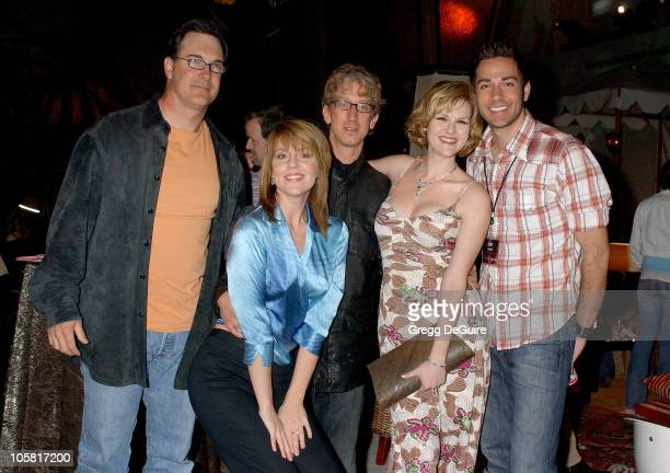 'Less Than Perfect' cast memebers Patrick Warburton Andrea Parker Andy Dick Sara Rue and Zachary Levi