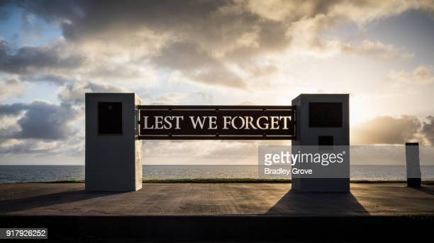 lest we forget 2 - anzac soldier stock pictures, royalty-free photos & images