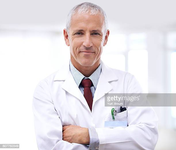 let him help you get healthy - laboratoriumjas stockfoto's en -beelden