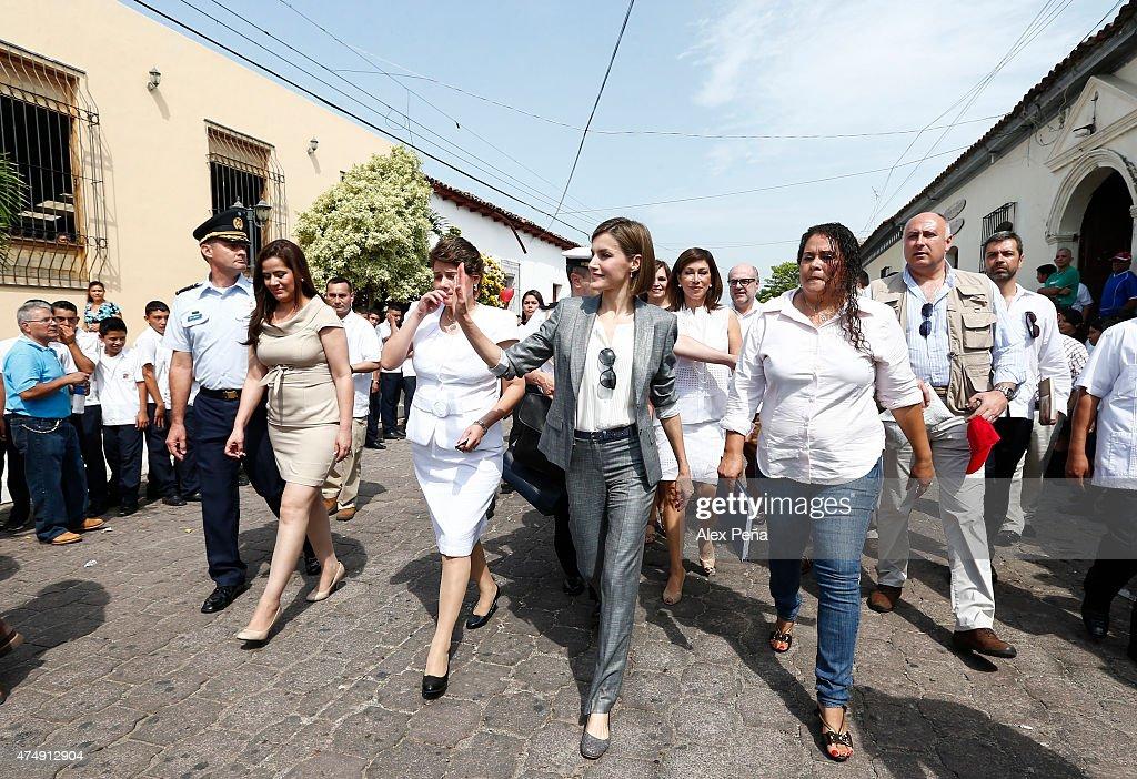 Queen Letizia of Spain Visits El Salvador : News Photo