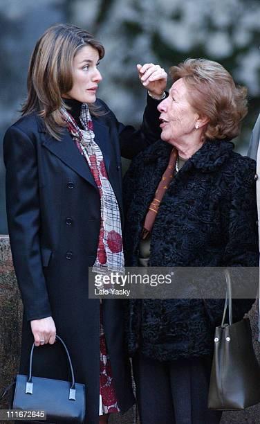 Letizia Ortiz and her grandmother Menchu çlvarez del Valle