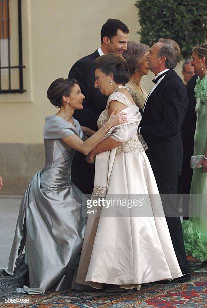 Letizia Ortiz former journalist and Spanish Crown Prince Felipe of Bourbon's fiancee makes curtsy to Spanish Infanta Pilar prior to an official diner...
