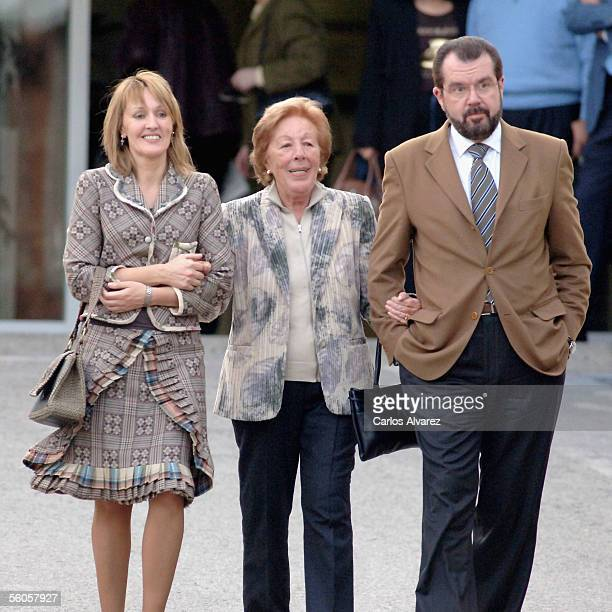 Letizias relatives Henar Ortiz Menchu Ortiz and Jesus Ortiz leave the Ruber Clinic in Madrid after visiting Princess Letizia and new baby daughter...