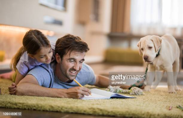 let's draw our cute dog! - dog pad foto e immagini stock