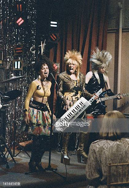 LIFE 'Let's Face the Music' Episode 17 Pictured Sherrie Krenn as Pippa McKenna Kim Fields as Dorothy 'Tootie' Ramsey Nancy McKeon as Joanna 'Jo'...