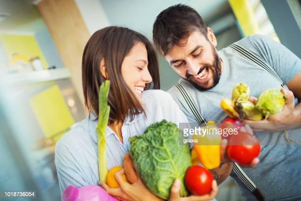 let's have some healthy breakfast. - gilaxia foto e immagini stock