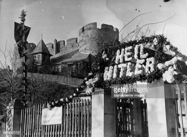 Lettering HEIL HITLER at the castle Theben. 1938. Photograph. Schriftzug HEIL HITLER bei der Burg Theben. 1938. Photographie. .