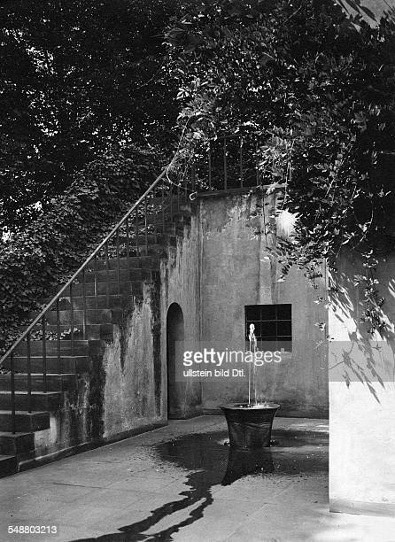 Lettre Emil Goldsmith Germany *18761954 his home in the Kastanienallee 31 a Berlin Westend courtyard with fountain designed by Eduard Pfeiffer...