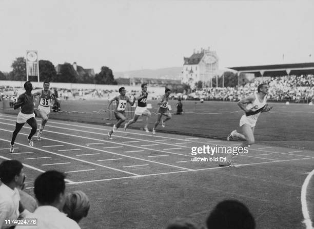 Letzigrund meeting 1960, finals 100m: Armin Hary runs world record in 10sec., race will be re-runned later