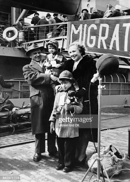 Letzter Displaced Persons Transport mit der General Ballou von Bremerhaven nach Amerika1952