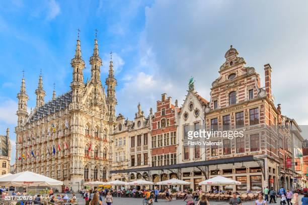 leuven - grote markt & town hall, belgium - leuven stock pictures, royalty-free photos & images