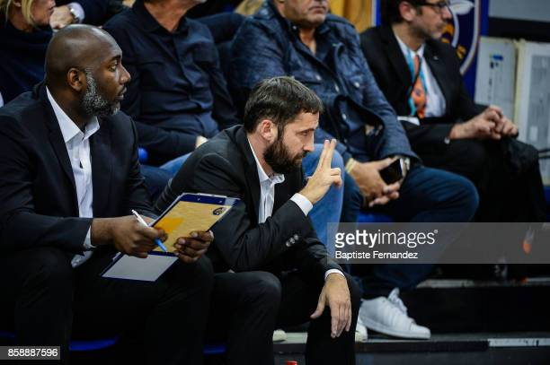 Levallois assistant coach Sacha Giffa and Levallois head caoch Frederic Fauthoux during the Pro A match between Levallois and Limoges on October 7...