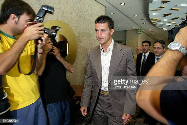 Levante's new player Irish Ian Harte arrives for a press conference during his presentation at the Valencia Palace Hotel in Valencia 09 July 2004...