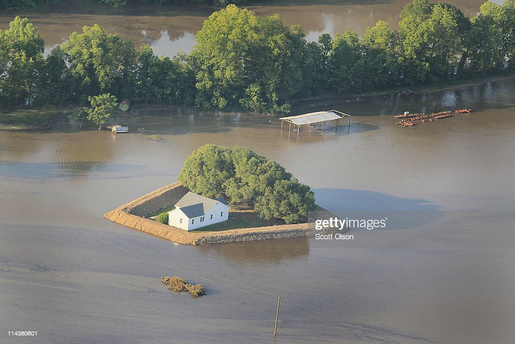 Rising Rivers And Tributaries Continue To Flood Southern Communities And Farm Land : News Photo