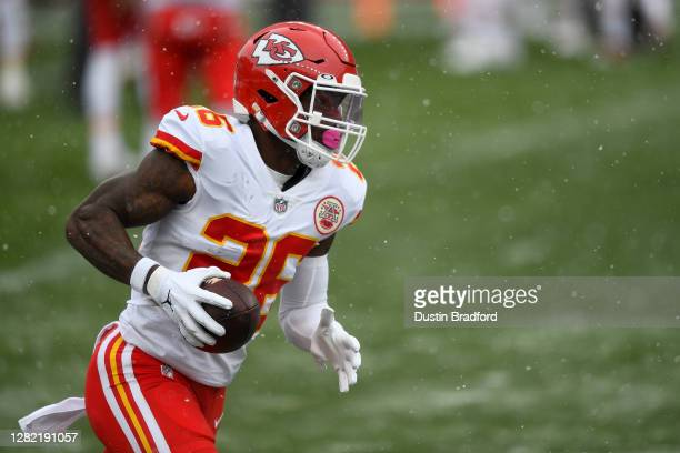 Le'Veon Bell of the Kansas City Chiefs warms up before a game against the Denver Broncos at Empower Field at Mile High on October 25, 2020 in Denver,...