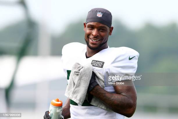 Le'Veon Bell of the New York Jets looks on at Atlantic Health Jets Training Center on August 23, 2020 in Florham Park, New Jersey.