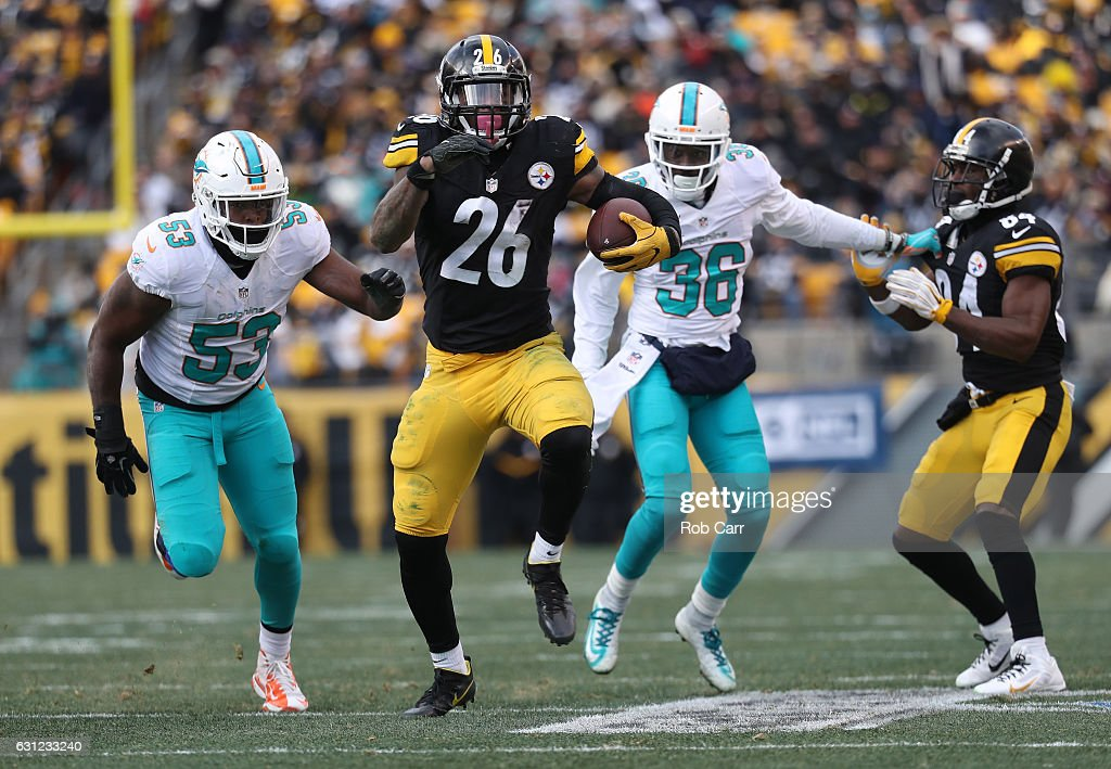 Wild Card Round - Miami Dolphins v Pittsburgh Steelers : News Photo