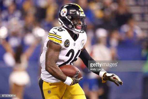 Le'Veon Bell of the Pittsburgh Steelers runs with the bal against the Indianapolis Colts during the first quarter at Lucas Oil Stadium on November 12...
