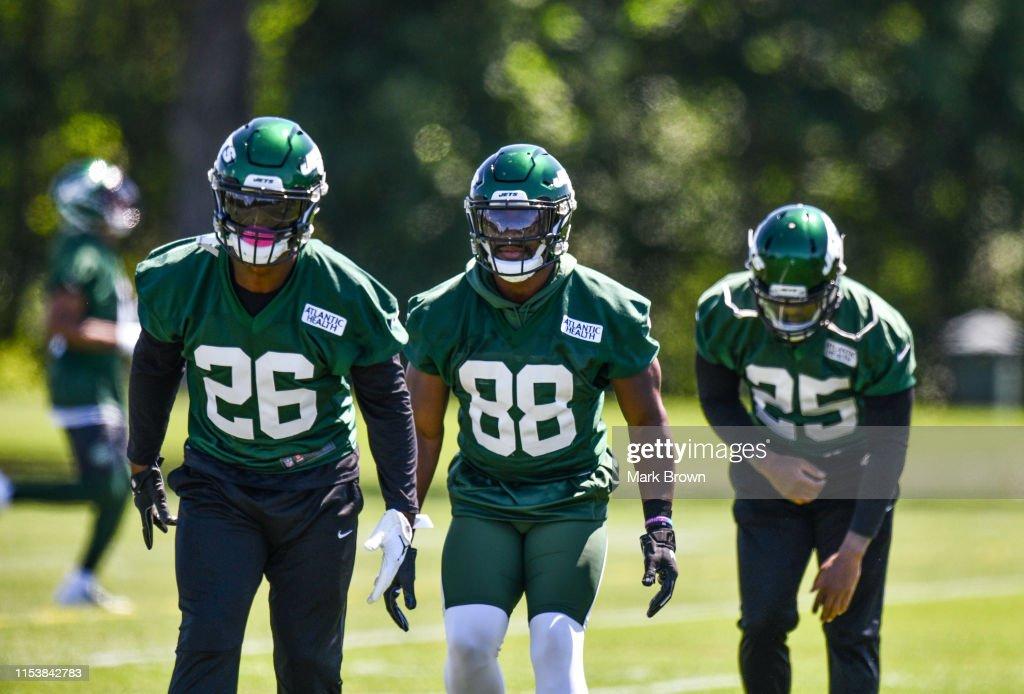 New York Jets Minicamp : News Photo