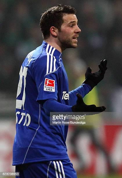 Leverkusen's Gonzalo Castro redet wahrend des Bundesligaspiels zwischen SV Werder Bremen Bayer Leverkusen im Weser Stadion am 27Februar 2011 in...