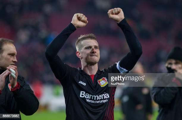 Leverkusens Lars Bender celebrates after the final whistle the Bundesliga match between VfB Stuttgart and Bayer 04 Leverkusen at MercedesBenz Arena...