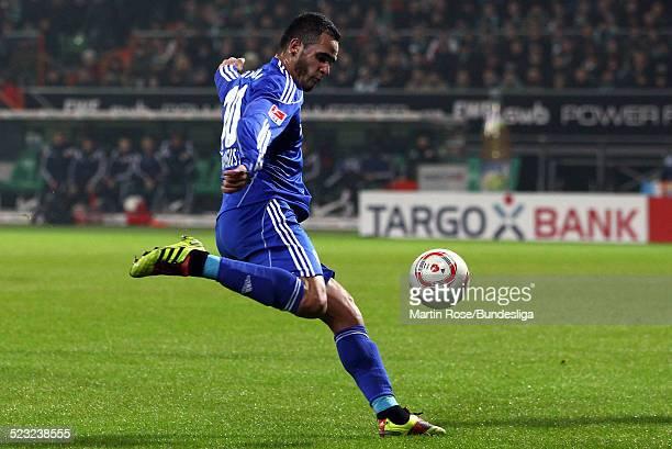 Leverkusen's Renato Augusto schiesst waehrend des Bundesligaspiels zwischen SV Werder Bremen Bayer Leverkusen im Weser Stadion am 27Februar 2011 in...