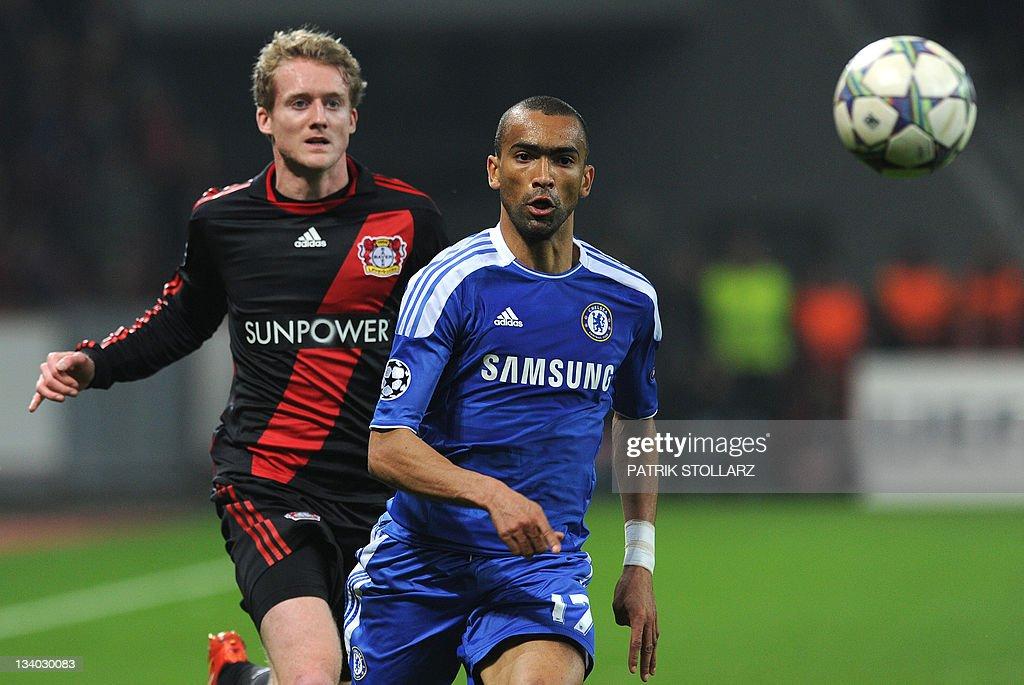 Leverkusen's striker Andre Schuerrle (L) : News Photo