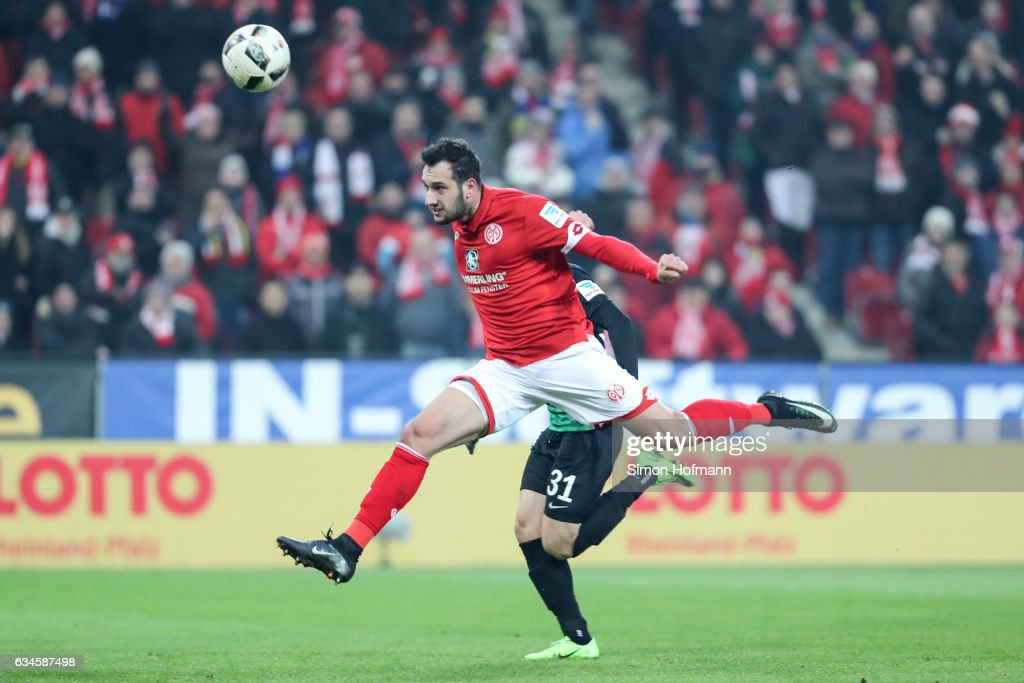 Levin Oeztunali of Mainz scores his team's first goal during the Bundesliga match between 1. FSV Mainz 05 and FC Augsburg at Opel Arena on February 10, 2017 in Mainz, Germany.