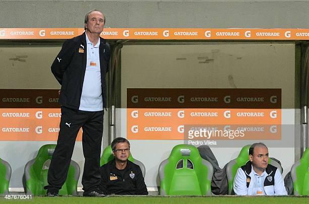 Levir Culpi coach of Atletico MG a match between Atletico MG and Nacional de Medellin as part of Copa Bridgestone Libertadores 2014 Round of 16 at...
