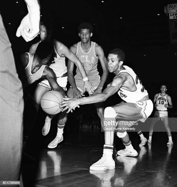 Lew Alcindor Jr on the court during a UCLA vs Oregon basketball game Oregon 1966