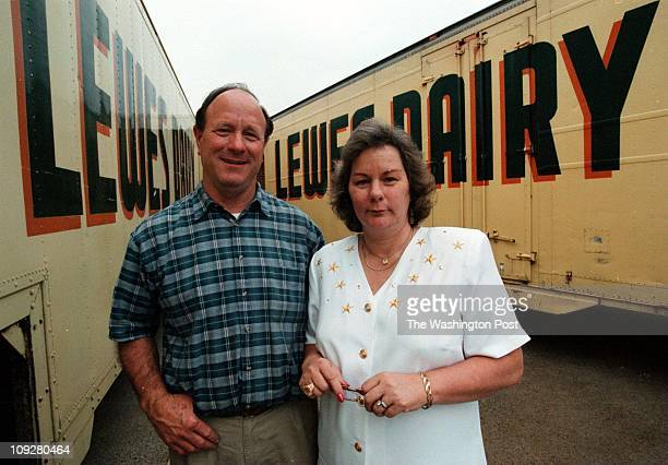 05/21/98 Lewes Del BRIEF DESCRIPTION The Lewes Dairy Chip Brittingham and his sister Judy Brittingham Bye who run the Lewes Dairy Photo By James M...