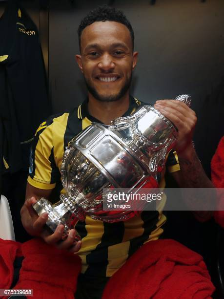 Lewis Baker of Vitesse with the KNVB beker Dutch Cupduring the Dutch Cup Final match between AZ Alkmaar and Vitesse Arnhem on April 30 2017 at the...