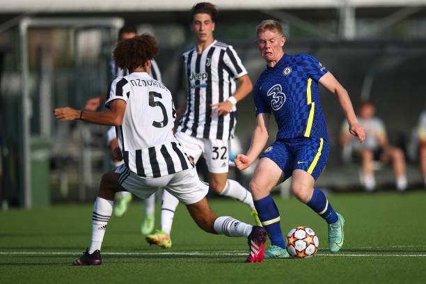 Lewis Hall of Chelsea drives the ball during a UEFA Youth League match between Juventus and Chelsea at JTC Continassa - Juventus Training Center on...