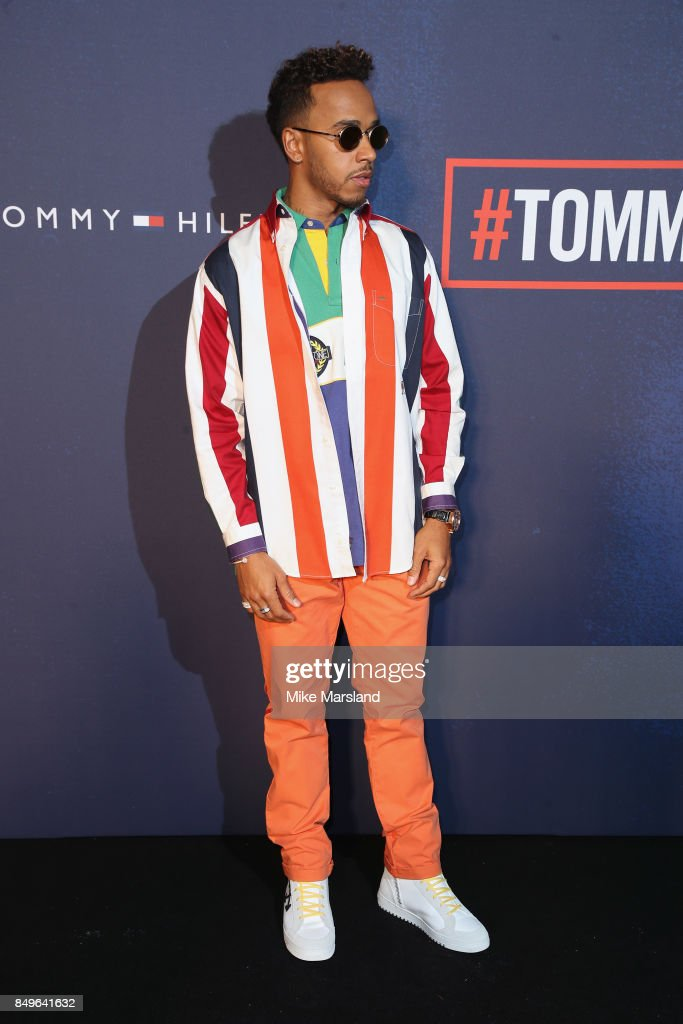 21e159f1 Tommy Hilfiger TOMMYNOW Fall 2017 - Front Row & Atmosphere : News Photo