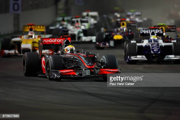 Lewis Hamilton Fernando Alonso Nico Rosberg McLarenMercedes MP424 Renault R29 WilliamsToyota FW31 Grand Prix of Singapore Marina Bay Street Circuit...
