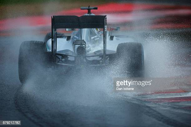 Lewis Hamilton of Great Britain drives the 4 Mercedes AMG Petronas F1 Team Mercedes F1 WO7 Mercedes PU106C Hybrid turbo during qualifying for the...