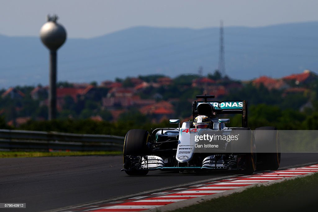 Lewis Hamilton of Great Britain drives the 4 Mercedes AMG Petronas F1 Team Mercedes F1 WO7 Mercedes PU106C Hybrid turbo during the Formula One Grand Prix of Hungary at Hungaroring on July 24, 2016 in Budapest, Hungary.