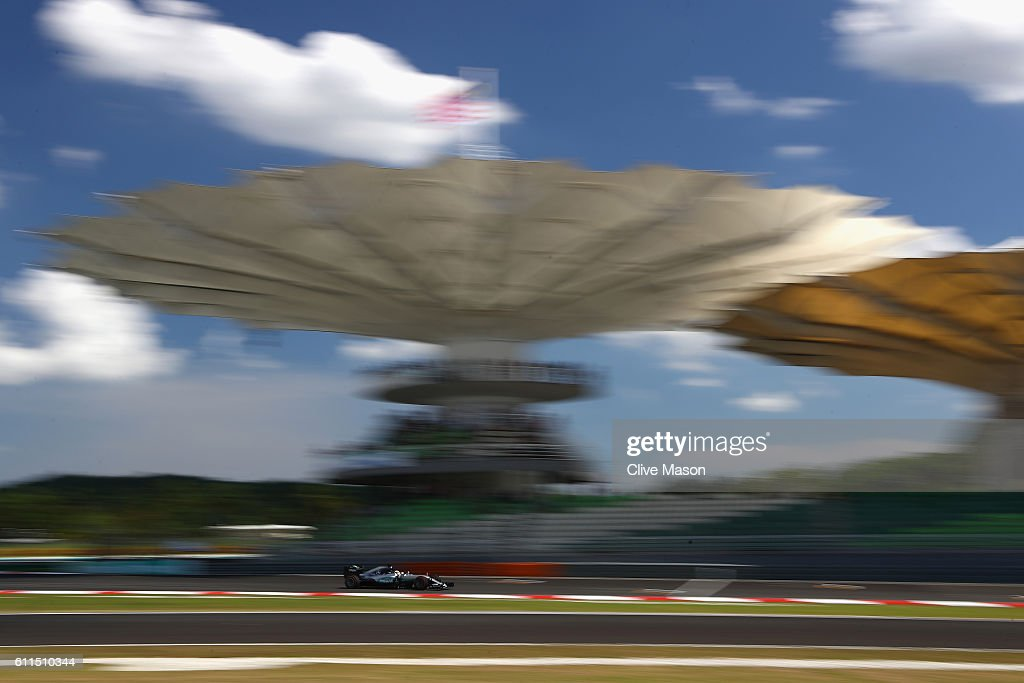 Lewis Hamilton of Great Britain driving the (44) Mercedes AMG Petronas F1 Team Mercedes F1 WO7 Mercedes PU106C Hybrid turbo on track during practice for the Malaysia Formula One Grand Prix at Sepang Circuit on September 30, 2016 in Kuala Lumpur, Malaysia.