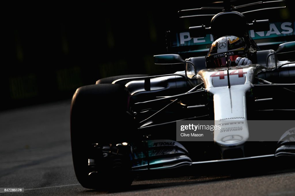 Lewis Hamilton of Great Britain driving the (44) Mercedes AMG Petronas F1 Team Mercedes F1 WO8 on track during practice for the Formula One Grand Prix of Singapore at Marina Bay Street Circuit on September 15, 2017 in Singapore.