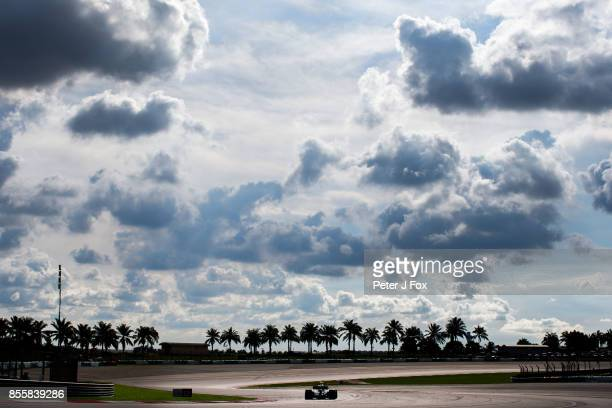 Lewis Hamilton of Mercedes and Great Britain during qualifying for the Malaysia Formula One Grand Prix at Sepang Circuit on September 30 2017 in...