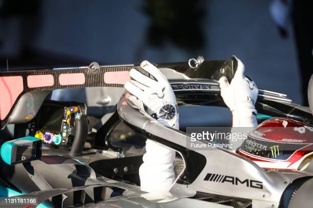 Lewis HAMILTON of MercedesAMG Petronas Motorsport exits his car after the 2019 Formula 1 Australian Grand Prix