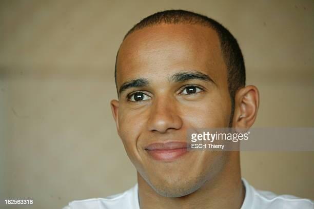 Lewis Hamilton Winner Of Grand Prix De Monaco 2008 Portrait de face souriant du pilote automobile Lewis HAMILTON deux jours avant le Grand Prix de F1...