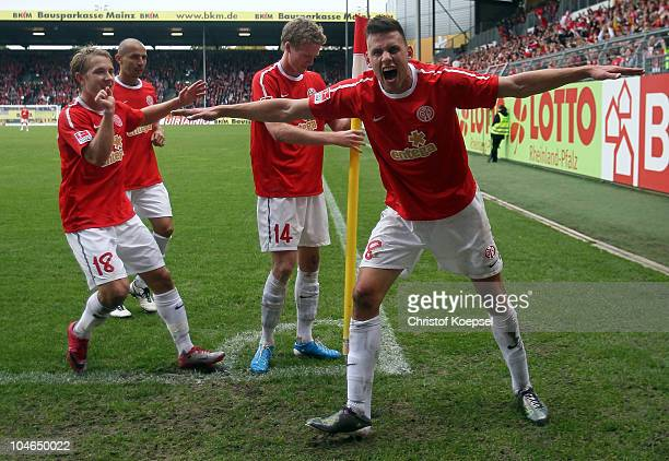 Lewis Holtby Elkin Soto André Schuerrle and Ádám Szalai of Mainz celebrate the fourth goal during the Bundesliga match between FSV Mainz 05 and 1899...